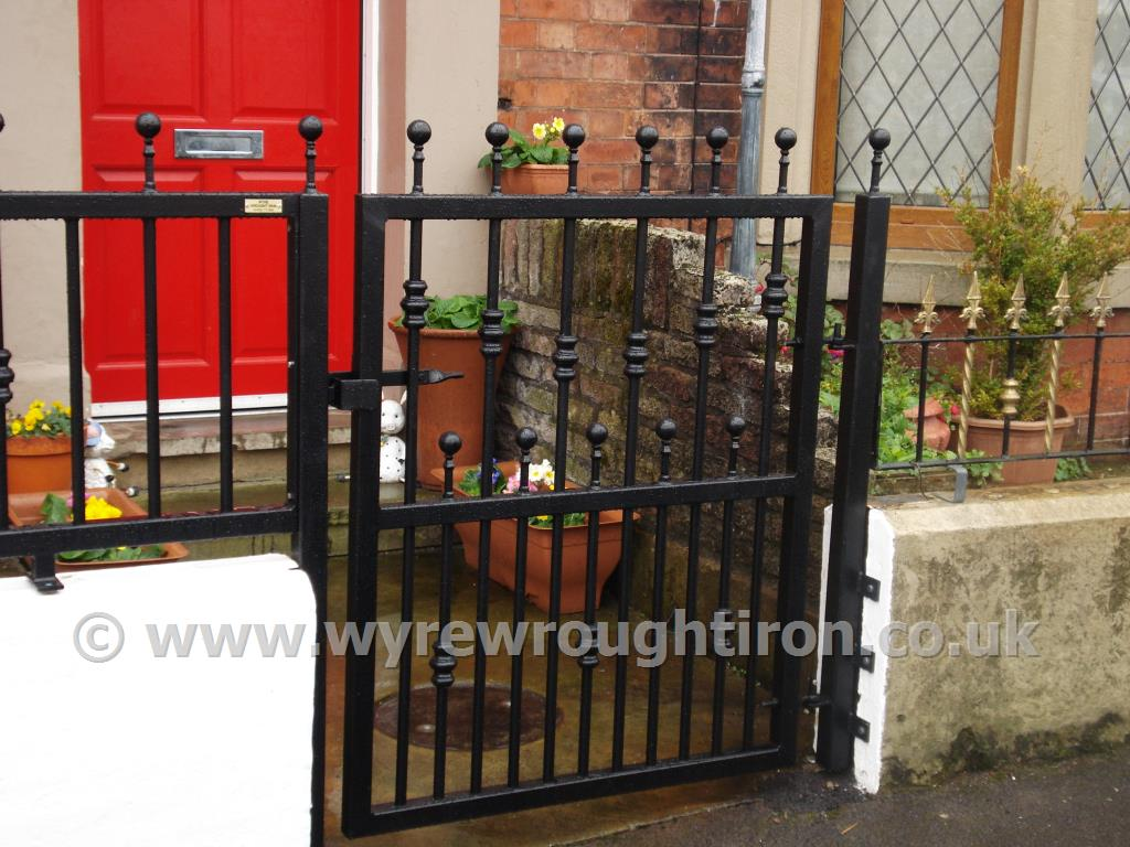 Large box section single flat top gate with ball railhesds and barrels. Galvanised, powder coated and fitted in Fleetwood.